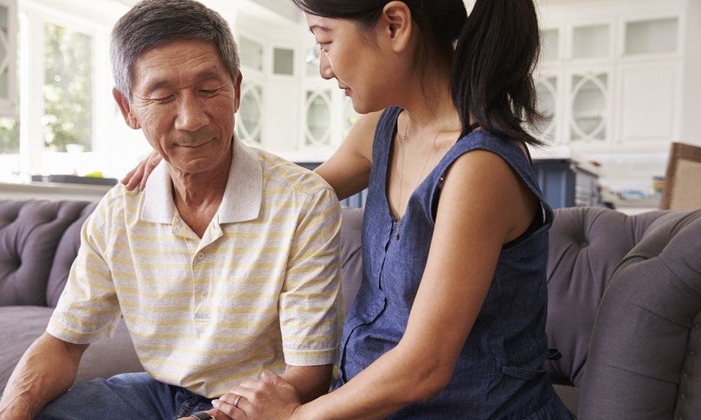 4 Tips for Talking To Seniors About Medical Alert Systems
