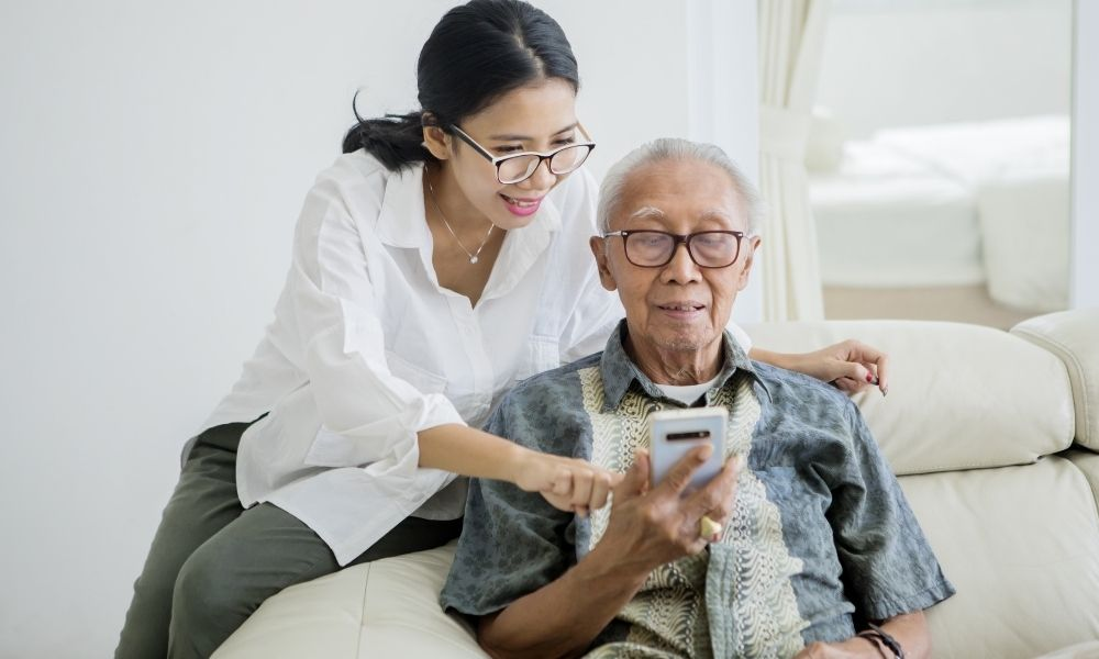 Caring for Your Parents: 4 Caregiver Tips You Should Try